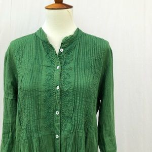 NWOT green pleated embroidered button down blouse